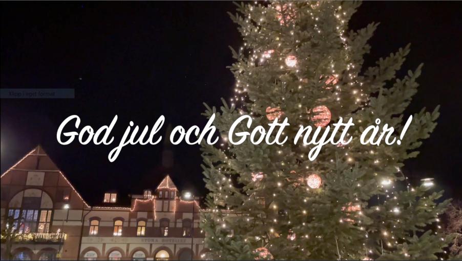 Gamla torg i Hörby med julgran och texten god jul och gott nytt år