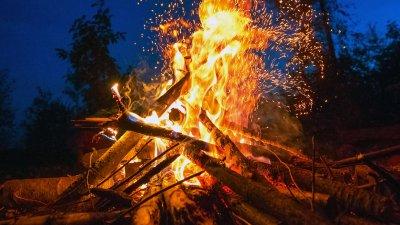 Traditionellt Valborgsfirande i Karnas Backe